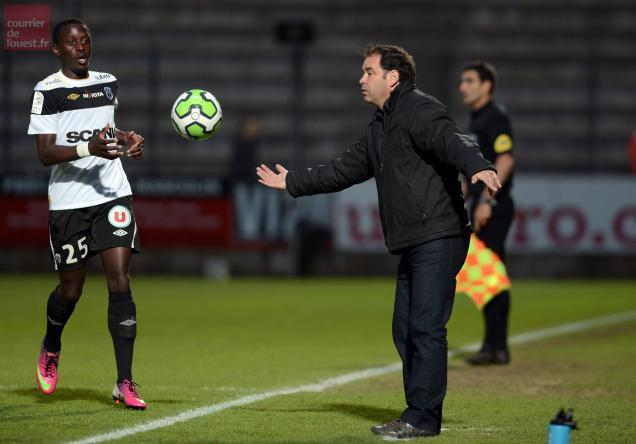 FOOTBALL ANGERS SCO-TOURS