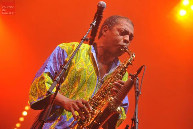"Femi Kuti se produira avec ""The positive force""."