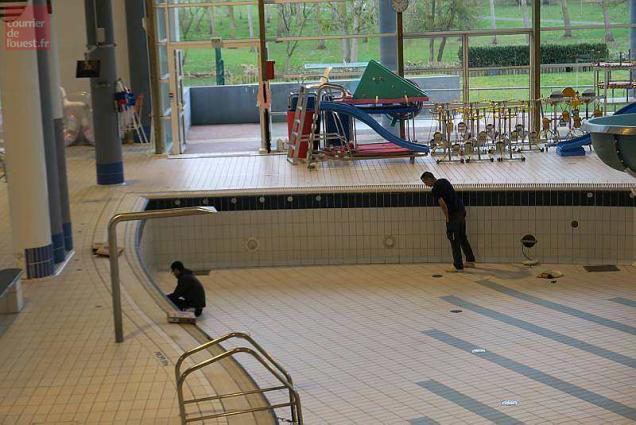 Saumur la piscine du val de thouet ferm e pour cause de for Piscine thouars