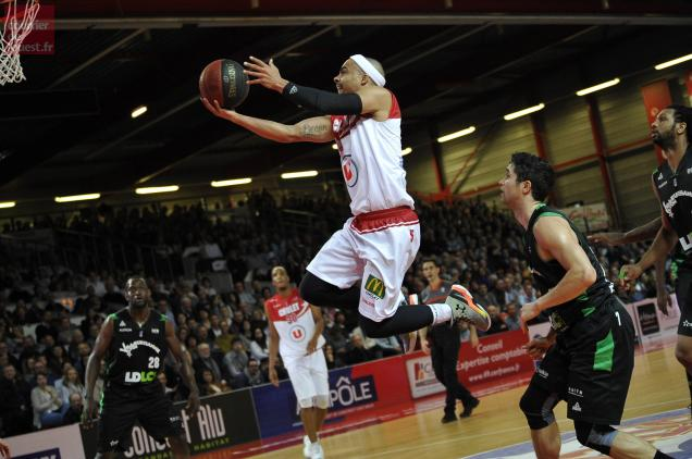 Les 27 points de DaShaun Wood n'ont pas suffi à Cholet
