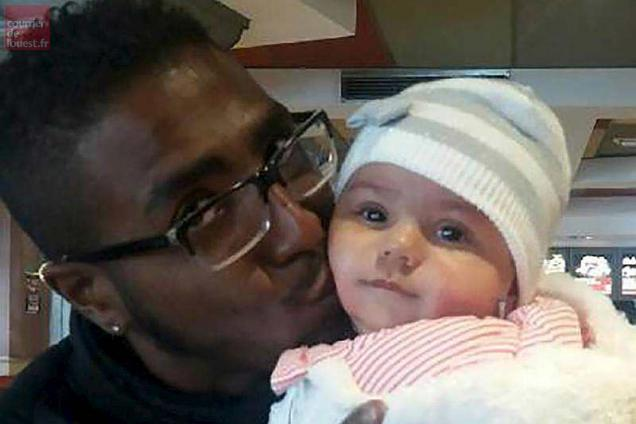 "A handout picture released by the French Police on October 18, 2016 shows fourth-month old Djenah for which the ""Plan Alerte Enlevement"", an abduction alert procedure, was triggered after she was abducted by her father Steeve Beni Y Saad in Grenoble on October 18, 2016, according to the police.  Launched in France in February 2006, the abduction alert bulletin is used to alert the public, via radio, television and billboards posted in railway stations and highways in child abduction cases where police believe the child is in danger of bodily harm or death.    - RESTRICTED TO EDITORIAL USE - MANDATORY CREDIT ""AFP PHOTO /JUDICIARY POLICE"" - NO MARKETING NO ADVERTISING CAMPAIGNS - DISTRIBUTED AS A SERVICE TO CLIENTS / AFP / POLICE JUDICIAIRE / HO / RESTRICTED TO EDITORIAL USE - MANDATORY CREDIT ""AFP PHOTO /JUDICIARY POLICE"" - NO MARKETING NO ADVERTISING CAMPAIGNS - DISTRIBUTED AS A SERVICE TO CLIENTS"