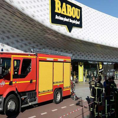 Angers incendie l 39 atoll deux magasins vacu s courrier de l 39 ouest - Atoll angers magasin ...