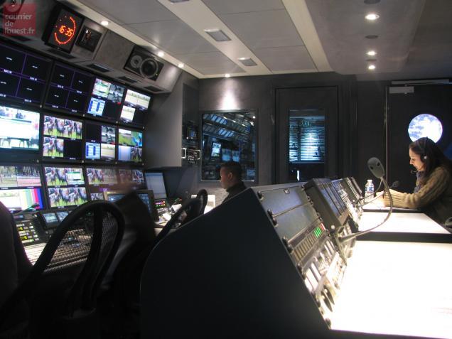 La mission de la chaîne spécialisée est aussi d'assurer aux commissaires de course un contrôle impartial.