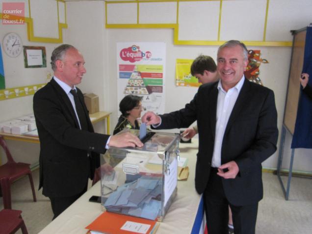 Le centriste Xavier Coiffard a voté aujourd'hui peu après 13 heures