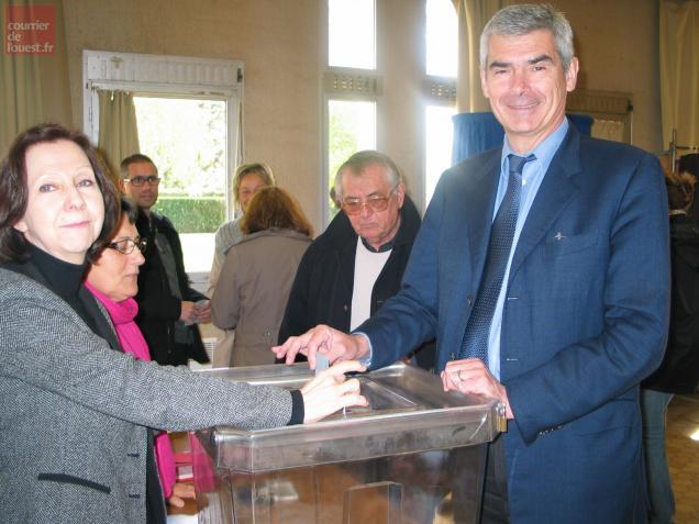 Jean-Charles Taugourdeau a glissé son bulletin dans l'urne avec le sourire