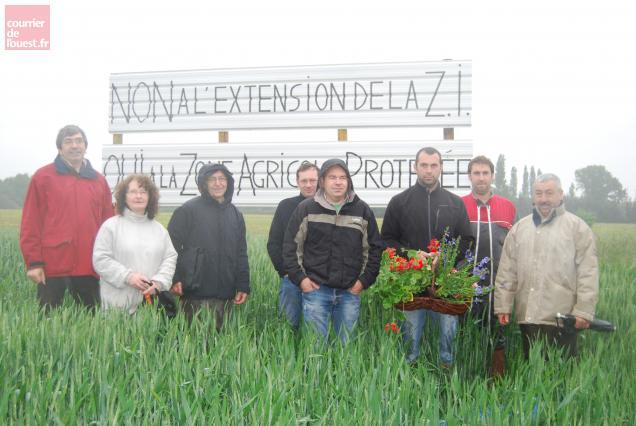 Saint barth lemy d 39 anjou ils veulent une zone agricole for Construction piscine zone agricole