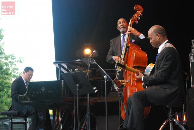 A Trélazé, le Golden Striker Trio du bassiste Ron Carter a été à la hauteur de son excellente réputation.