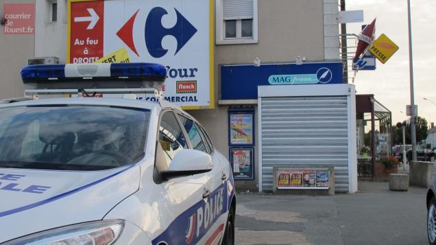 Trois hommes armés braquent un bureau de tabac à angers courrier