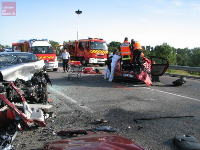 L'accident avait opposé trois véhicules jeudi soir à Niort