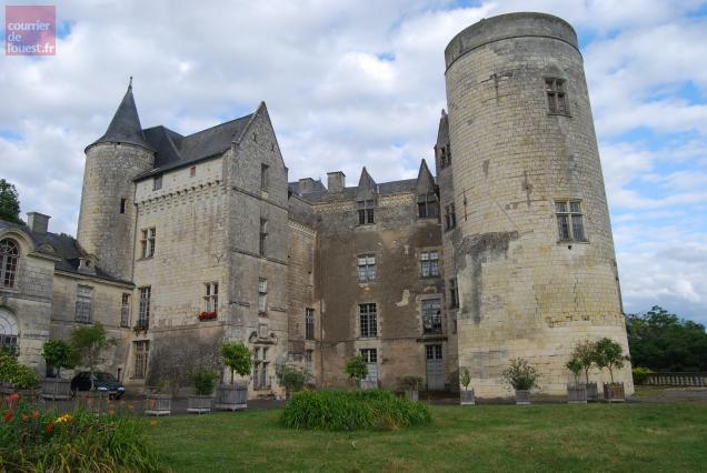 Le château de Montsabert, à Coutures, a été érigé au XIIIème siècle