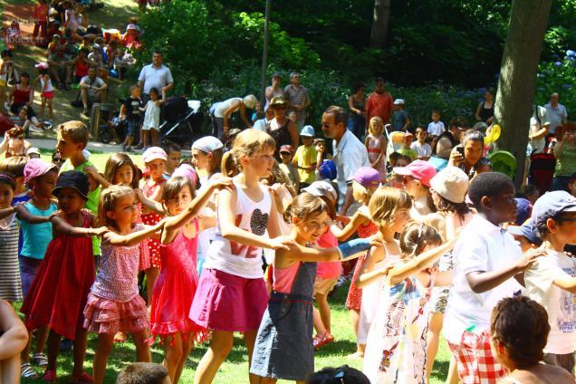 A l'occasion du dernier concert du festival, tous les enfants ont entamé une farandole.