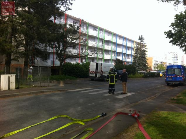 Cette barre d'immeubles a été évacuée ce lundi après-midi.