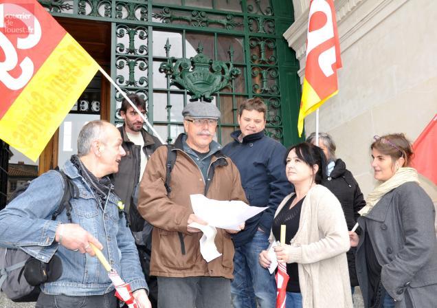 Les syndicalistes CGT n'ont pas pu rencontrer la députée Geneviève Gaillard
