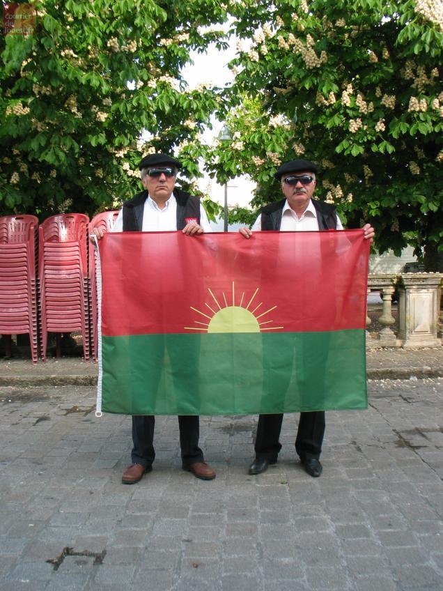 Deux membres du FLG canal historique ont accepté de poser pour la photo mais sous couvert d'anonymat.