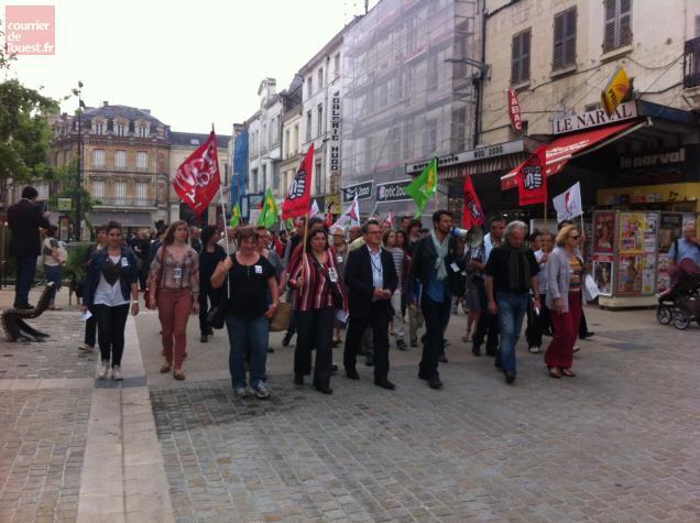 La manifestation ont remonté la rue Victor Hugo.