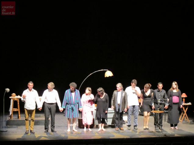 La troupe amateur Les Saucissons de nuit, lors d'une répétition samedi soir.
