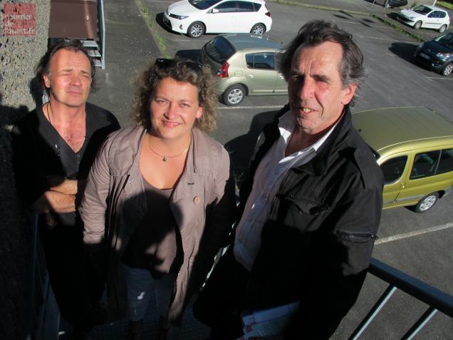 Jean-Bernard Audureau, Marina Giet, du Collectif pour l'école publique, et Guillaume Dupont, président de la FCPE 49.