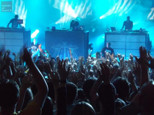 Ils étaient près de 3000 spectateurs à venir voir le groupe de rap IAM samedi soir.
