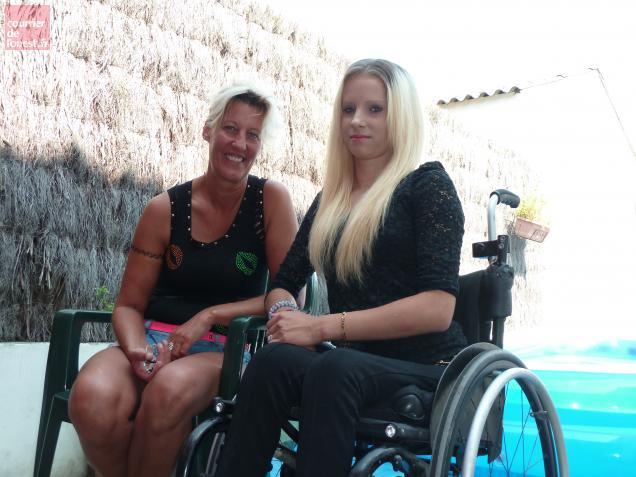 Depuis son accident Délia vit dans un fauteuil roulant.
