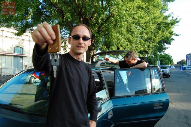Laurent loue sa voiture, un break de 1995, depuis le mois de février.