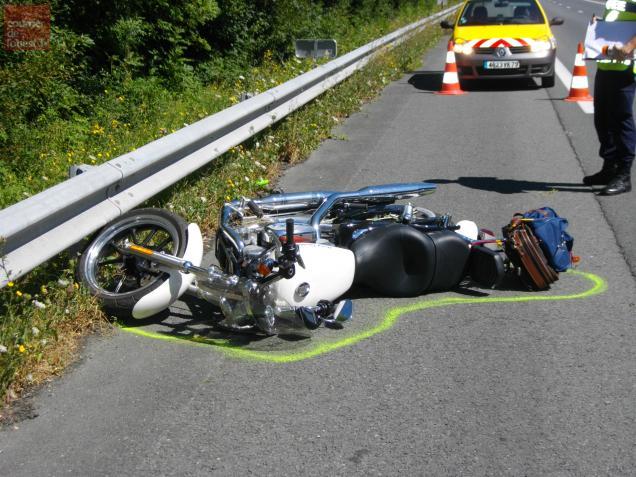 L'accident s'est produit vers midi, sur l'A10, près de Fors.