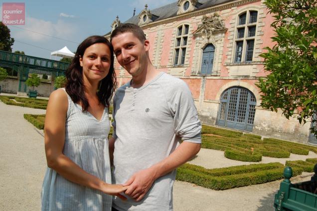 """Marie, 26 ans et Stephen, 29 ans, sont les """"rosiers"""" de cette édition 2013."""