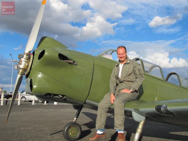 Dans le civil, Jean-Benoit Gonalons pilote pour une compagnie d'Abu-Dabi.