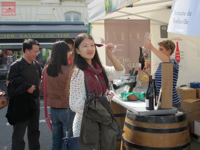 Beaucoup d'Anglais mais aussi des Chinois ont dégusté en connaisseurs les vins de Loire.