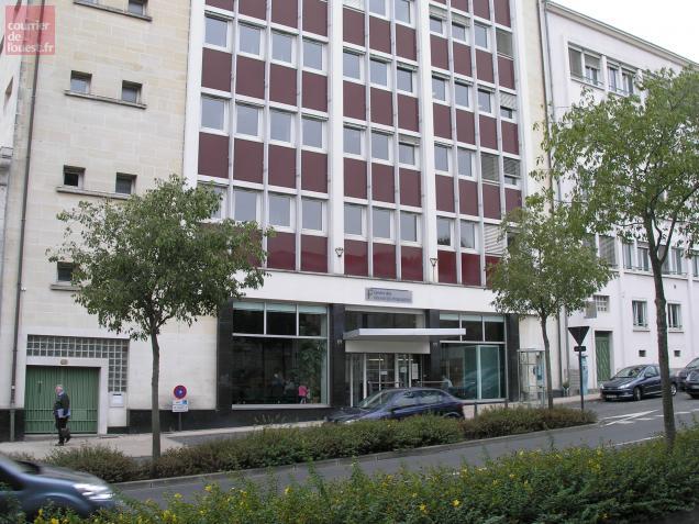 Le standard du centre des impôts avenue de Paris a connu une panne.