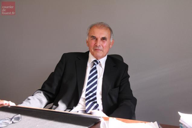 Gilbert Favreau,  président du Pays de Gâtine et conseiller général.