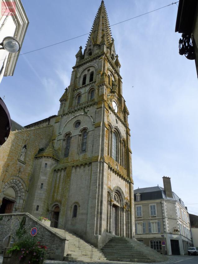 Le clocher de Saint-Laurent devrait devenir aussi un relais pour le téléphone mobile Orange.