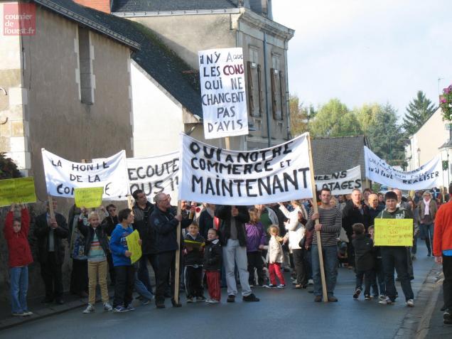 Bonne mobilisation des habitants et des élus en faveur du projet de commerce à Bauné.