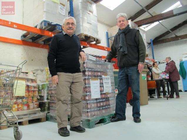 Bernard Rezeau, responsable de l'antenne choletaise depuis 2011, et Charles Chalm, tout nouveau responsable de la collecte.