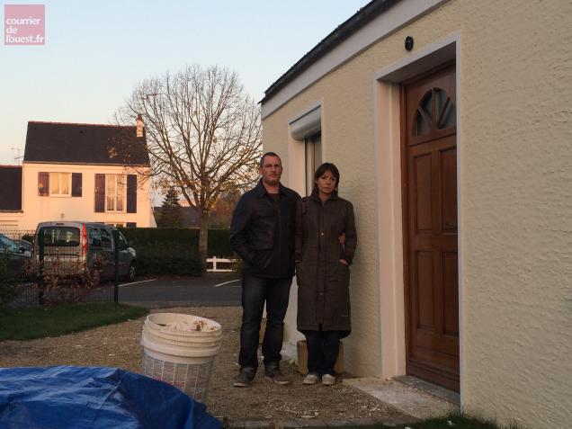 Stéphanie et Gwendal Sinon ont découvert, à la faveur de travaux de rénovation, que leur maison est devenue inhabitable.