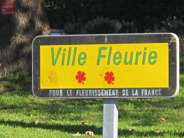 Saumur a perdu sa troisième fleur.
