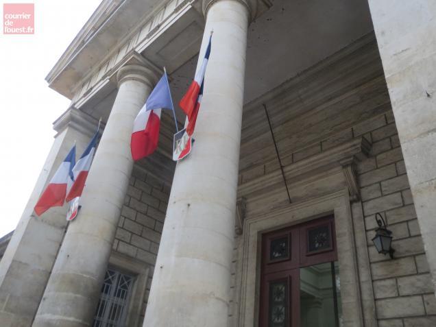 Les deux suspects ont reconnu les faits. Ils ont quitté ce jeudi le palais de justice de Niort pour aller en prison.