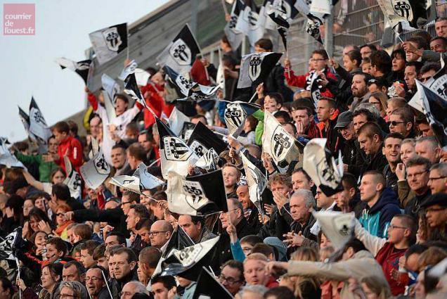 football ligue 2 suivez angers sco troyes a suivre en direct live tweet