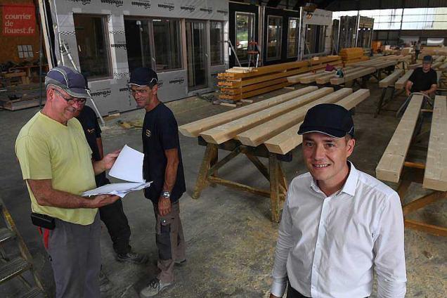 saint sylvain d 39 anjou le beau chantier de briand construction bois. Black Bedroom Furniture Sets. Home Design Ideas