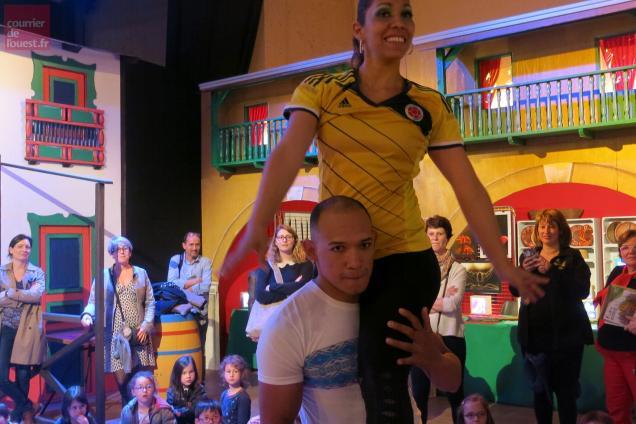 Les Colombiens adorent danser, les écoliers bressuirais ont apprécié.