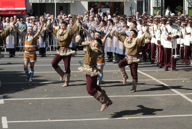 Orchestre et danseurs de la République Sakha-Yakoutie de Russie
