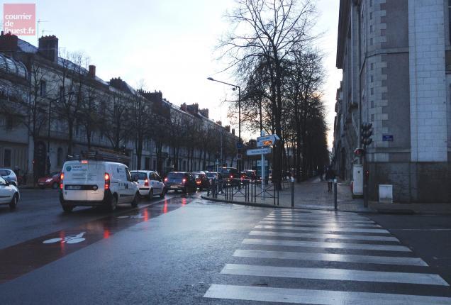 Le panneau lumineux a été retiré ce matin aussi discrêtement qu'il avait été installé, en juillet 2012