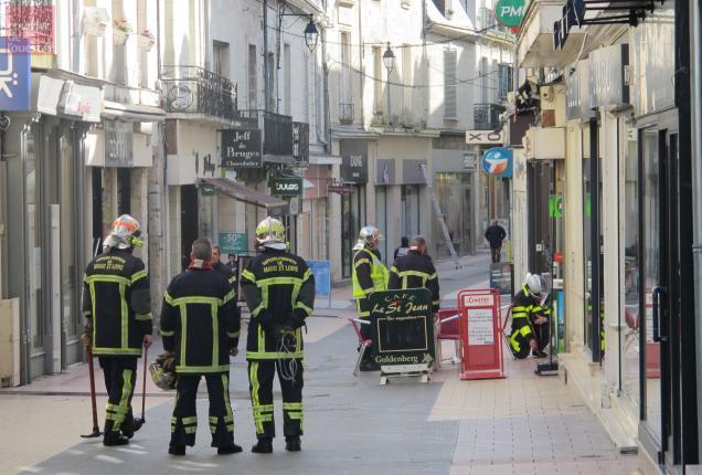 Les pompiers et GRDF ont mené des investigations rue Saint-Jean.