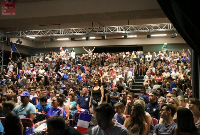 La salle Beaurepaire étaient également pleine, avec des supporter euphorique.