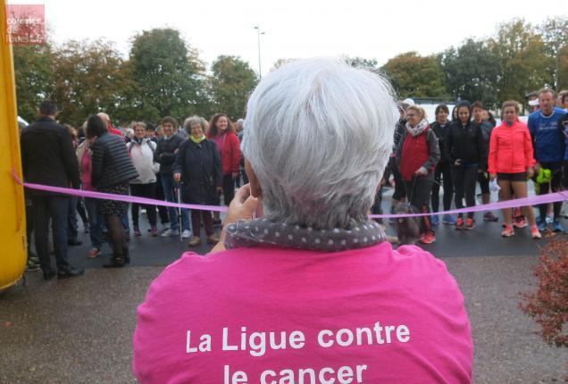 Bressuire. Plus de 300 personnes ont participé ce dimanche à la Marche rose