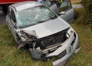 Montreuil-Bellay. Un camion et une voiture en collision lors d'un dépassement